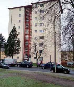Frisch sanierte 4-Zimmer-Etagenwohnung in verkehrsgünstiger Lage