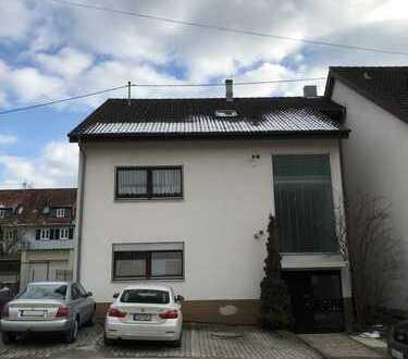 Kapitalanlage !!! Gepflegte Single 1 Zimmerwohnung mit Singleküche und PKW Stellplatz im Brunnental