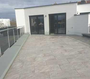 Neubau! Repräsentative 3-Zimmer-Penthouse mit 78 m² Rundum-Dachterrasse