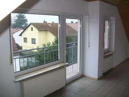 Maxdorf, geräumige u. gepflegte 2 ZKB-Wohnung