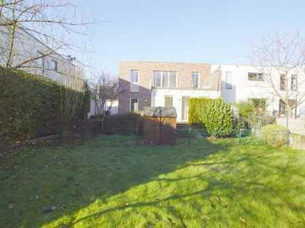 Neuss-Nordstadt: Helle u. moderne Gartenwohnung mit 3- Zimmern, Duschbad u. Stellplatz