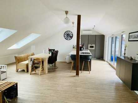 Penthouse Gefühl - voll klimatisiert! Stadtnah und hochwertig mit wundervoller Dachterrasse