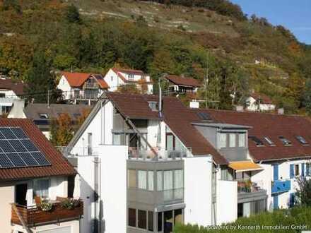 Sonniges Schmuckstück mit Dachterrasse, zwei Balkonen und gemütlichem Kaminofen