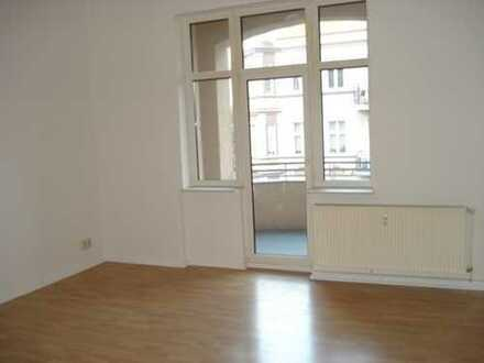 Großzügige Wohnung in Altstadtnähe mit Balkon/Loggia