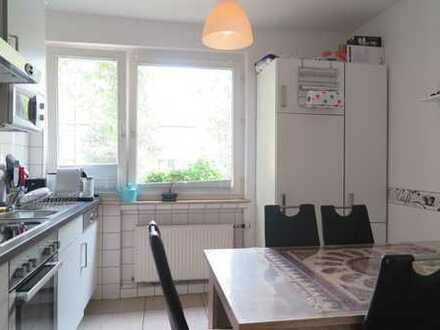 2,5 Zi.-WHG mit Balkon u. EBK im frisch modernisierten Wohnhaus