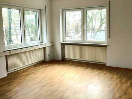Helle, geräumige 5-Zimmer-Wohnung (153 qm) mit großem Bad und Gäste-WC im Herzen Homburgs