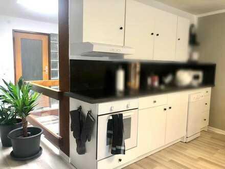 Modernisierte 2-Raum-Wohnung mit Einbauküche in Pfalzgrafenweiler