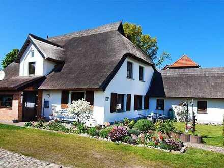 Einfamilienhaus auf dem Fischland, mit drei Ferienwohnungen