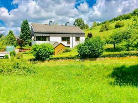 Gepflegtes Einfamilienhaus mit sechs Zimmern und EBK in Heidenheim an der Brenz, Heidenheim (Kreis)