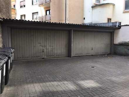 Provisionsfrei in Frankfurts Innenstadt - Lagerräume und 2 große Garagen
