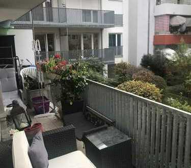 Großzügige, helle und moderne 4 Zi. Wng. mit sonnnigem Balkon