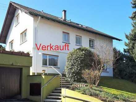 Gepflegtes Zweifamilienhaus in Varnhalt - Verkauft -