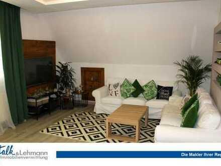 +++ KAPITALANLEGER: modernisierte DG-Wohnung auf 2 Etagen mit EBK im Stadtzentrum von Hasalch +++