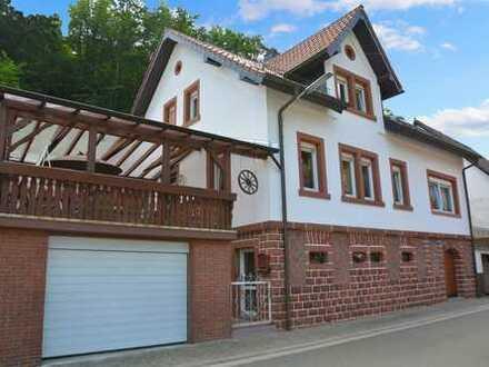 Großzügiges Einfamilienhaus mit Garten und Garage im idyllischen Elmstein