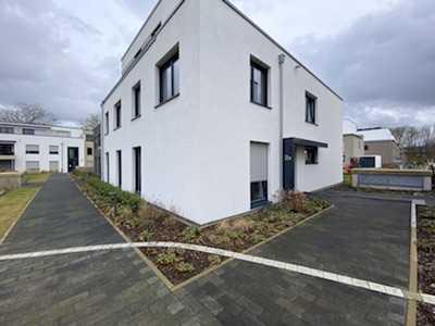 Neuwertige, helle und barrierefreie Erdgeschosswohnung in Toplage