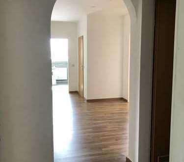 750 €, 100 m², 4 Zimmer