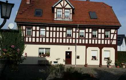Preiswerte, sanierte 6-Zimmer-Wohnung mit EBK in Lumpzig
