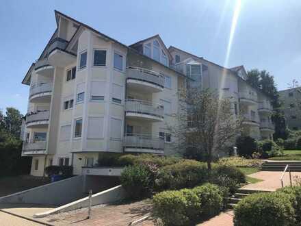 Ansprechende 2,5-Raum-Hochparterre-Wohnung mit EBK und Balkon in Ellwangen (Jagst)