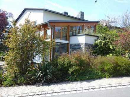 großzügige Architektenwohnung mit Wintergarten u. grünem Wohnhof