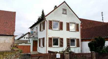 Modernisierungsbedürftiges Einfamilienhaus mit 6 Zimmern!