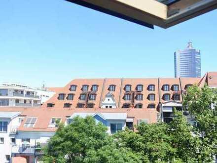Helle Maisonette Dachgeschoss Bürofläche mit 3 Zimmern, Laminat, Einbauschränke, Lift, Keller