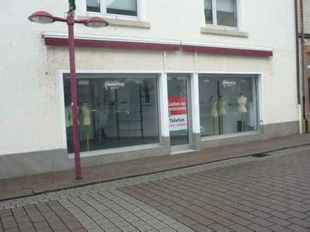 1a Lage Hu- Großauheim Ladenlokal/Büro ab Februar 2020 zu vermieten