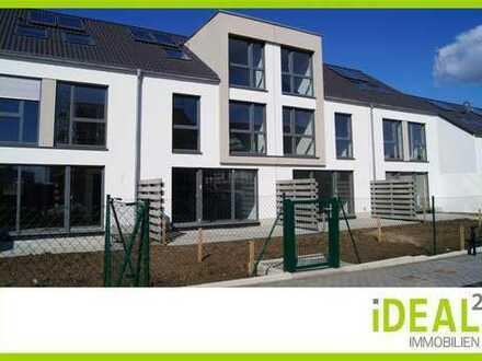 Für Familien und Paare: Neubau Reihenhaus mit Dachstudio und Luxusbad