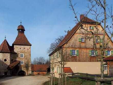 Verwaltungshaus auf dem Schlosshof Rechberghausen!