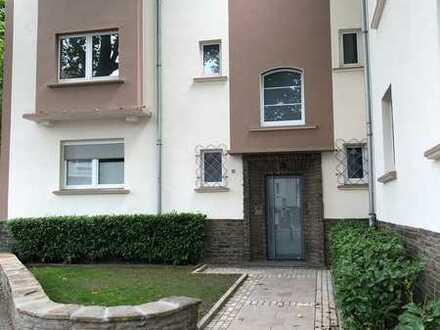 Sanierte helle freundliche 2 Zimmer Wohnung mit einer großen Wohnküche direkt am Marktplatz EBK