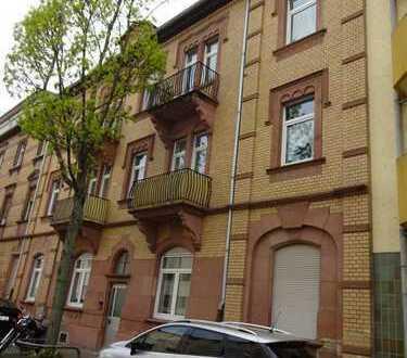 Schöne, gut ausgestattete 3-Zimmer-Eigentumswohnung im gepflegten 7-Familienhaus!