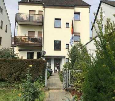 Gepflegte 4-Zimmer-Maisonette-Wohnung mit Balkon und Einbauküche in Bochum / Harpen