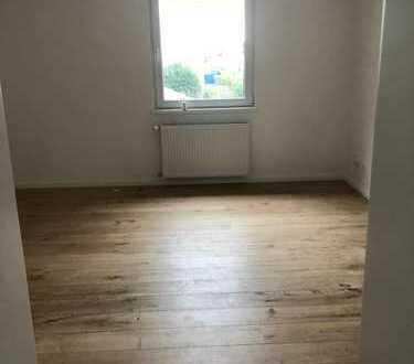 Erstbezug nach Sanierung: stilvolle 2-Zimmer-Wohnung mit EBK in Leverkusen Schlebusch