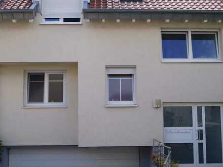 """Großzügige Maisonette-Wohnung mit Terrasse, Balkon und Gartenanteil (Wohnung """" 1 """")"""