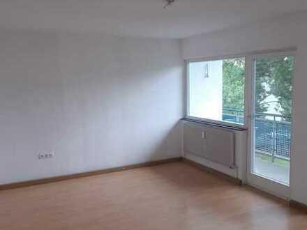3 Zimmer Wohnung mit Balkon in ruhiger Lage ab sofort verfügbar
