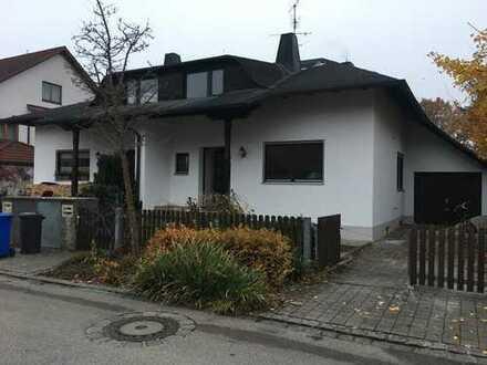 Von Privat! Neu renovierte Doppelhaushälfte in Puchheim