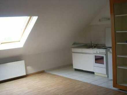 Attraktive, gepflegte 1-Zimmer-Dachgeschosswohnung zur Miete in Dortmund-Oespel