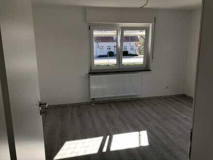 4 Zimmer Wohnung mit Balkon in Dintenhofen