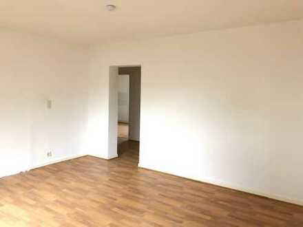 Sehr schön geschnittene 3 Zimmer Wohnung mit Balkon
