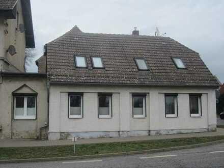 ZWANGSVERSTEIGERUNG - Großes Haus für kleines Geld