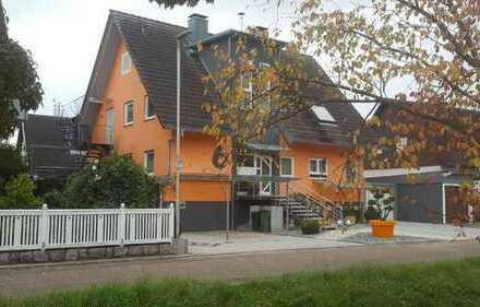 ZWANGSVERSTEIGERUNG - Zwei Wohnungen im Dreifamilienhaus