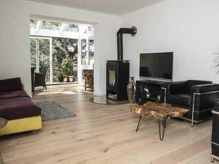 Topsanierte Traumwohnung mit Wintergarten, Kamin und Gartenbenutzung