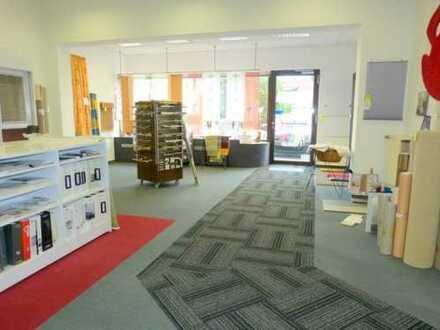 Ideale Ladenfläche im EG, neuwertig, energetisch top, große Schaufensterfläche+flexibel aufteilbar!