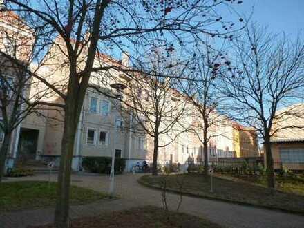 Geräumige 3-Zimmer-Wohnung nahe Zeitraum // frisch renoviert !!!