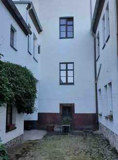 1- A Lage in Großenhain? Mehrfamilienhaus& großem Grundstück- variabel zusammenlegbar.
