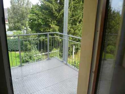 geräumige 4-Raum-Wohnung im DG, 2 Bäder, 2 Balkone