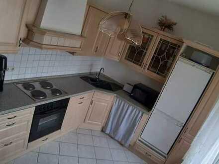 4- Raum-Wohnung im 2.OG, bei Bedarf mit Küche