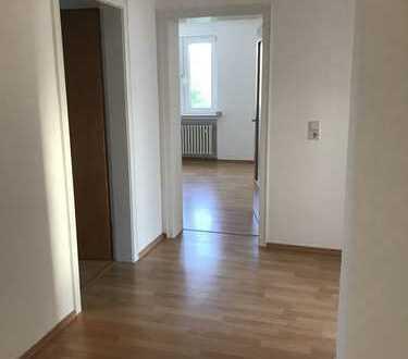Schöne, helle, renovierte 3,5-Zimmer-DG-Wohnung in Altenbochum