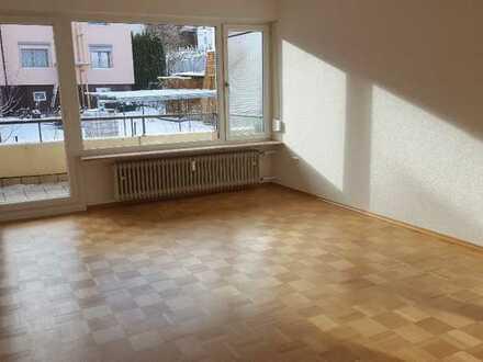 Hochwertige, helle 3-Zimmer-Wohnung mit 2 Balkonen komplett renoviert
