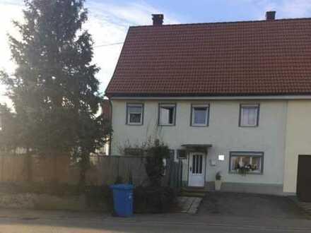 Charmantes Haus mit pflegeleichtem Grundstück