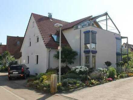 Gepflegte 4-Zimmer-Wohnung mit sonnigem Balkon und Einbauküche in sehr ruhiger Wohnlage